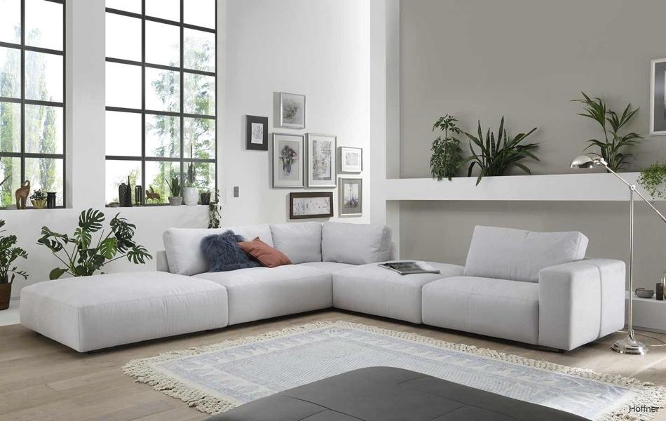 Ako zariadiť obývačku, ak radi a často meníte atmosféru izby
