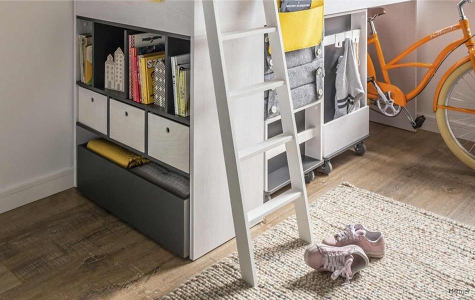 Málo miesta v detskej izbe? Skúste pracovný kútik pod posteľou